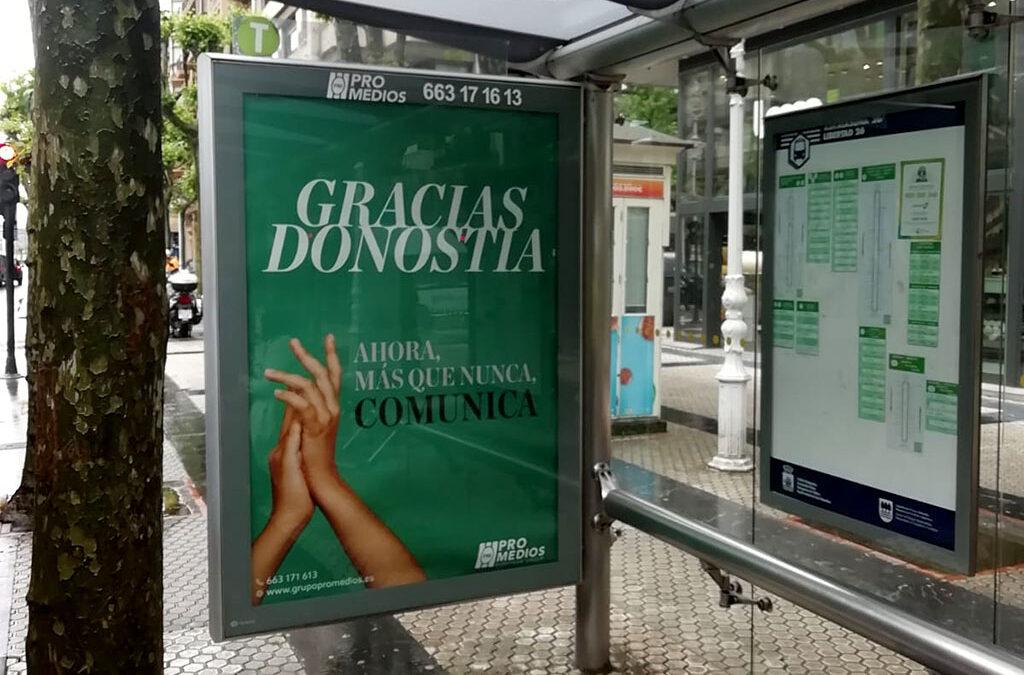 Grupo Promedios sigue dando las gracias. Esta vez desde las marquesinas de San Sebastián.