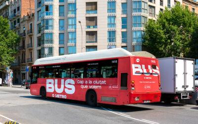 TMB pone en marcha el 100% de la flota de autobuses urbanos