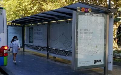 Campaña de guuk. en las marquesinas integrales de San Sebastián